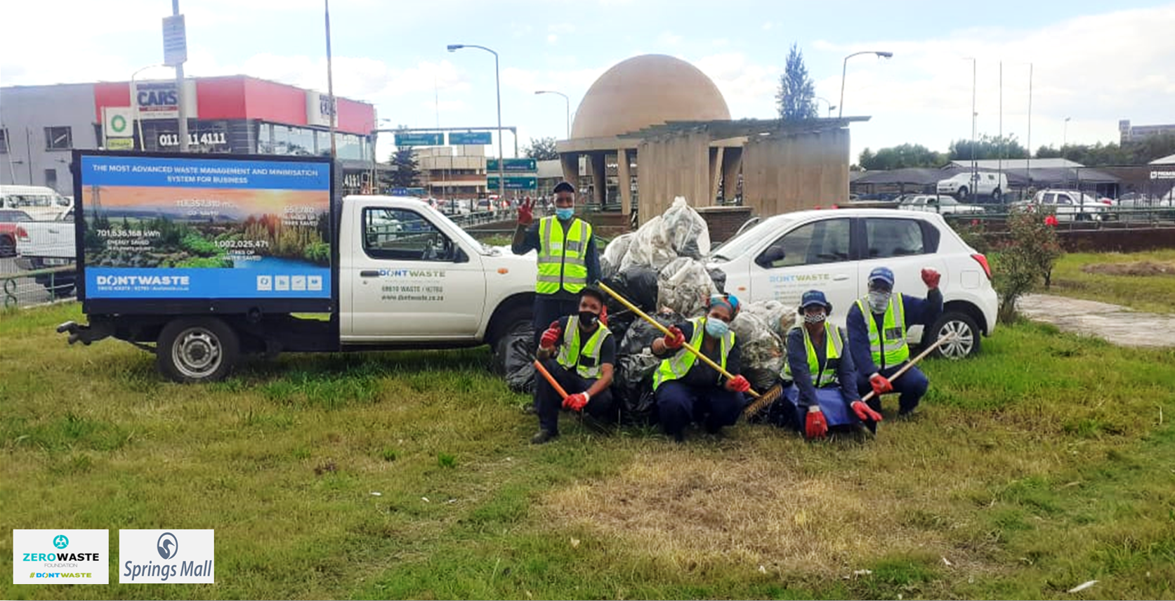 Clean Up of Springs War Memorial in Partnership with Springs Mall